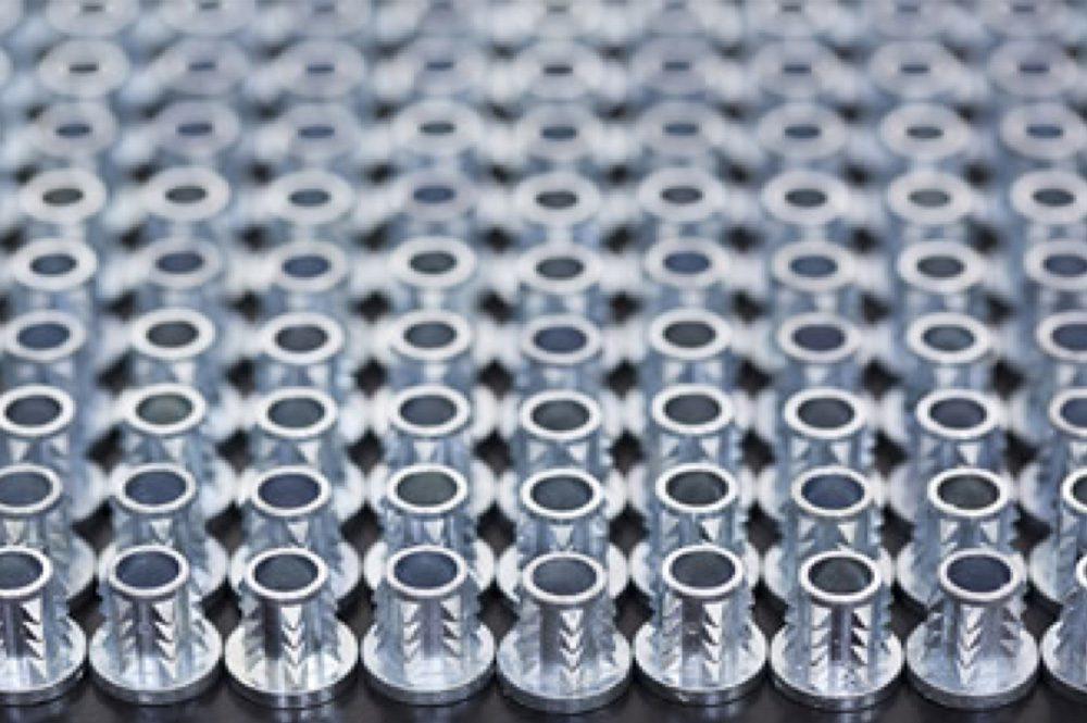 ウッドアンカー類の鋳造加工サンプル